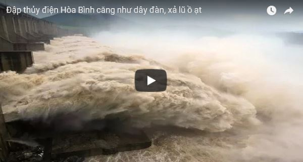 Flood-in-Vietnam-central-and-northern-region_video2