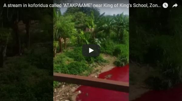 River-in-Ghana-turns-blood-red-overnight_video2